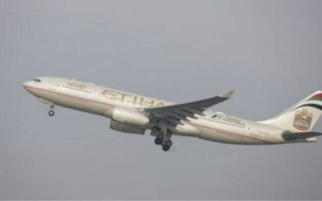 Piloto abortou a decolagem para que casal pudesse desembarcar