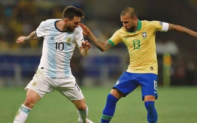 Daniel Alves e Messi