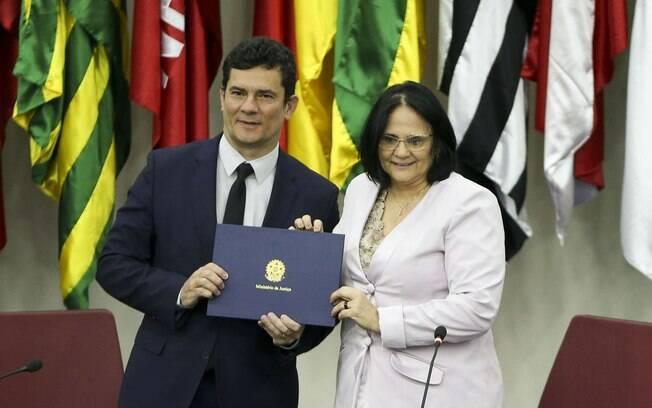 Damares e Sérgio Moro vão discutir propostas para aumentar a pena em casos de abuso