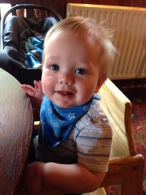 O bebê Sebastian pode ter recebido uma visita do além enquanto dormia em seu berço