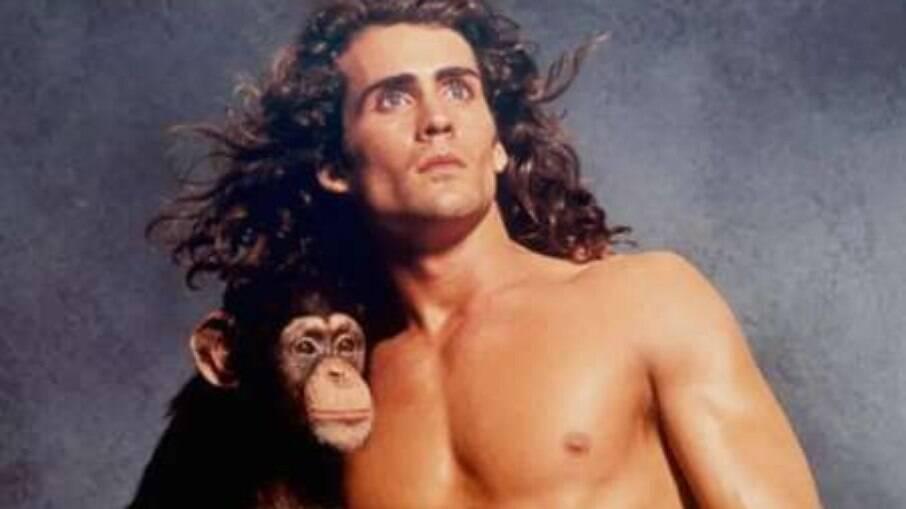 Joe Lara, ator de filmes e séries de Tarzan, morre em acidente aéreo