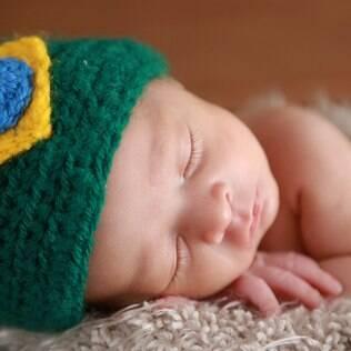 Ensaio fotográfico com bebês em clima de Copa do Mundo