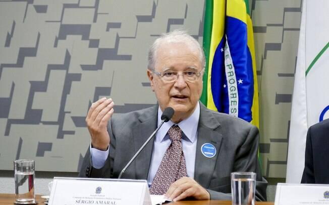 O embaixador do Brasil dos Estados Unidos,  Sérgio Amaral, foi retirado do posto