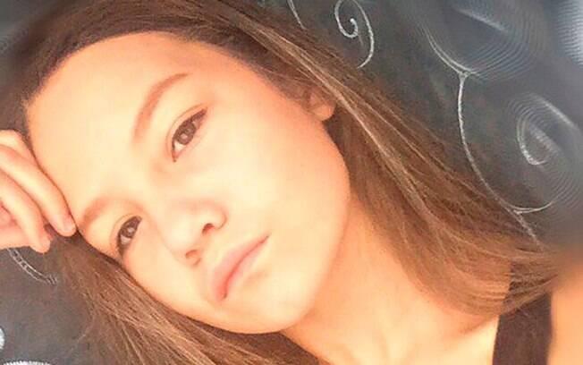 Garota identificada como Kseniya P estava ouvindo música na banheira quando aparelho escorregou e caiu na água