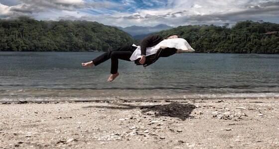 Fotógrafa brasileira cria imagens intrigantes