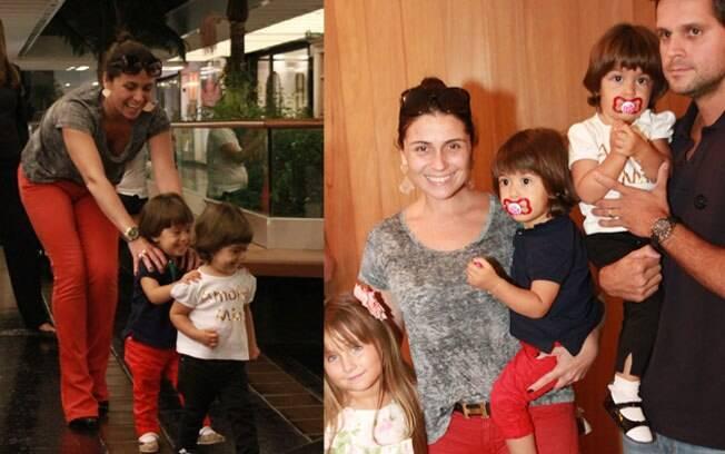 Giovanna brincou com as filhas gêmeas e depois a família foi ao teatro