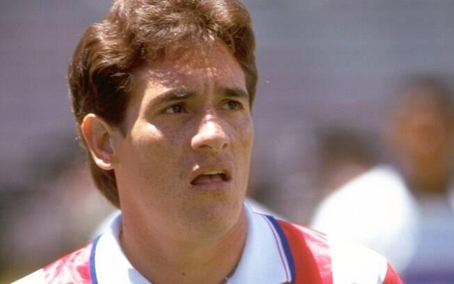 Gamarra: capitão do Corinthians no título  brasileiro de 1998, zagueiro paraguaio jogou no  Palmeiras em 2005