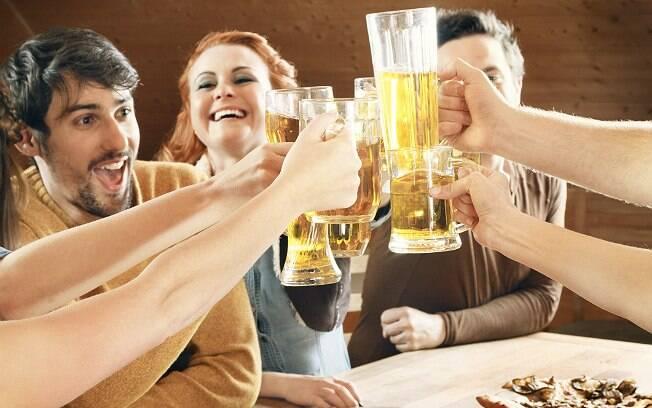 Cerveja é a opção preferida dos brasileiros, de acordo com pesquisa da CervBrasil e do Ibope