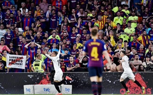 É campeão! Valencia derrotou o Barcelona na final da Copa do Rei