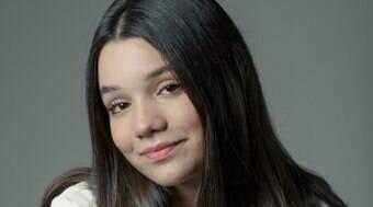 'Tenho personalidade forte como ela, só não dou coelhada', diz jovem atriz