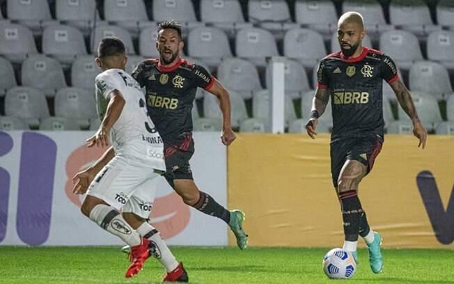 Passeio na Vila! Gabigol faz três contra o Santos, e Flamengo goleia com direito à marca de estreante
