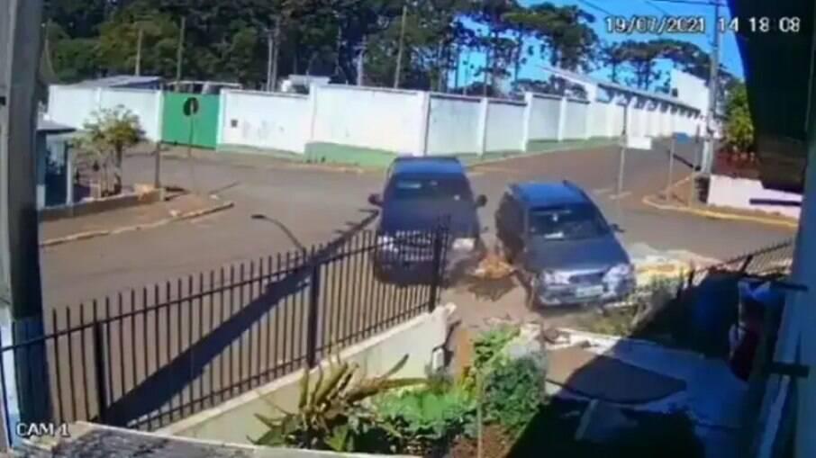 Residência 'azarada': casa em Santa Catarina é atingida por dois acidentes de carro em quatro dias
