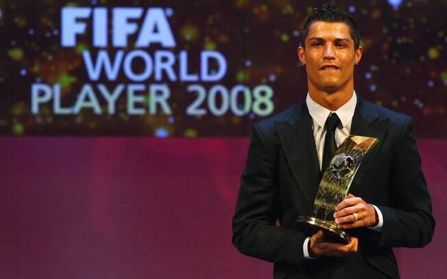Em 2008, Cristiano Ronaldo foi eleito o  melhor jogador do mundo pela Fifa
