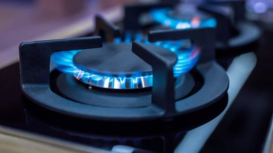 Preço do gás natural vai subir até 39% em maio, anunciou a Petrobras nesta segunda-feira