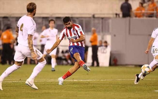Diego Costa marcou quatro gols no amistoso contra o Real Madrid