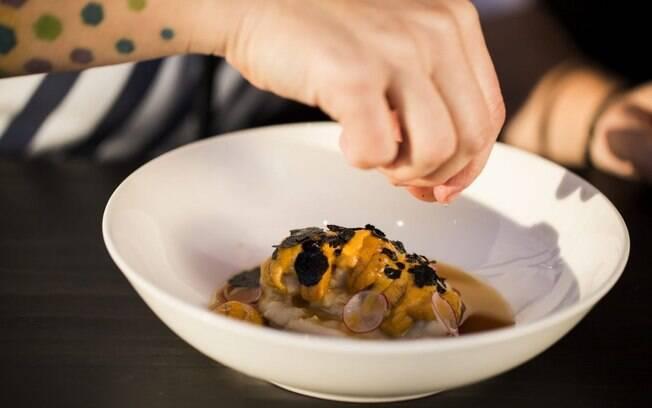 Bazán é chef e cofundadora do restaurante Ambrosía e do Ambrosía Bistro, em Santiago, no Chile