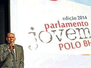 Parlamento 2014. Eduardo Sendon falou sobre o despertar da consciência política para os jovens