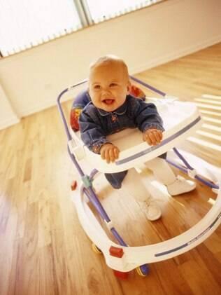 Sociedade Brasileira de Pediatria lança campanha contra o uso de andador infantil