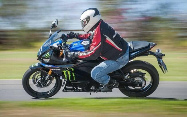 A Yamaha YZF-R3 Monster Energy MotoGP Edition e seu exclusivo grafismo