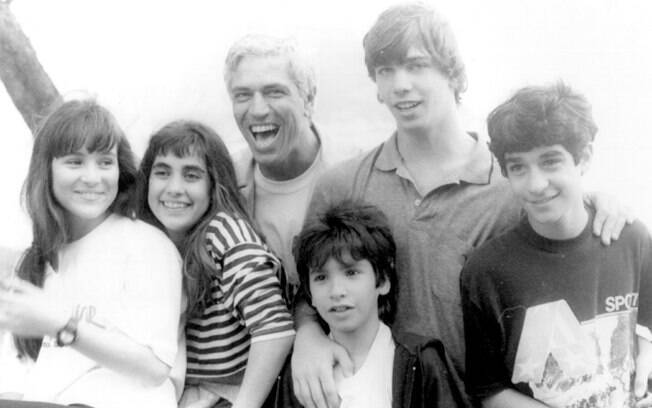 Gaspar e seus cinco filhos: Olívia, Jane Fonda, John Lennon, Elvis Presley e Ringo Starr