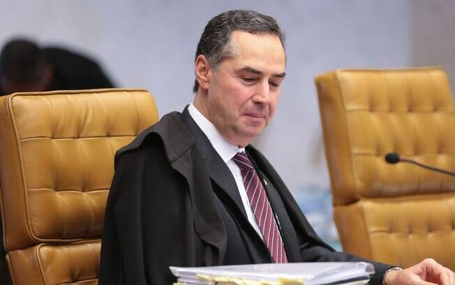 Barroso afirma que STF impediu um desastre ainda maior na pandemia de Covid-19