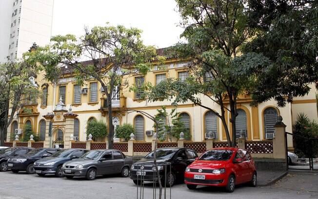 Fachada da Escola de Medicina e Cirurgia (EMC) da Universidade Federal do Estado do Rio de Janeiro (Unirio)