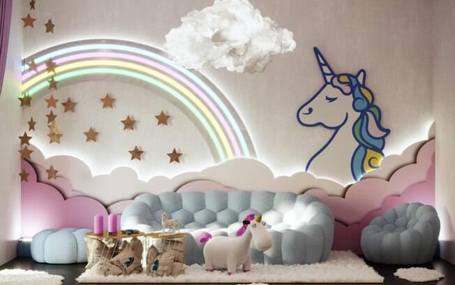 As decorações de unicórnio dominam este apartamento da roupa de cama até as mobílias e o café da manhã