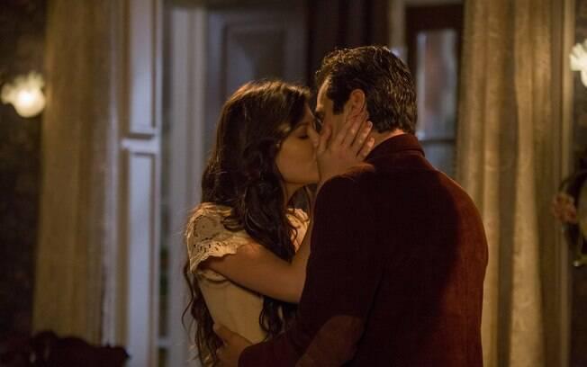 Maria Vitória termina a novela grávida e com Vicente
