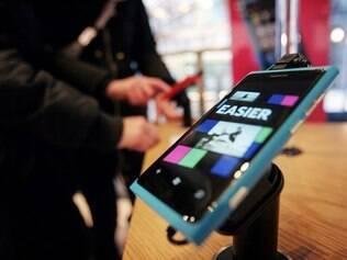 Lumia 800 é uma das apostas da Nokia para voltar a crescer