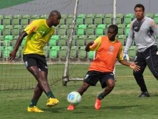 Adalberto já vem treinando com novos companheiros de clube