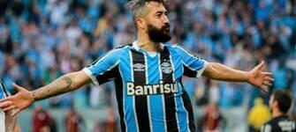 Grêmio vence São Paulo e iguala número de pontos de Corinthians