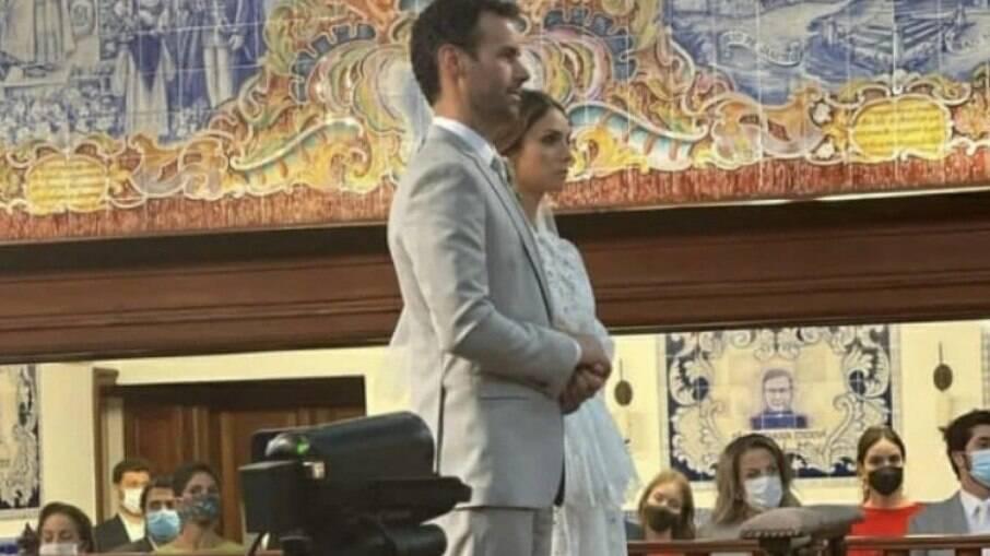 Caroline Celico, ex de Kaká, se casa com sobrinho de Chiquinho Scarpa