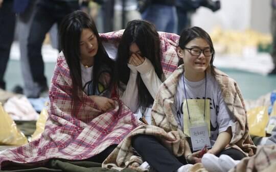 Coreia do Sul busca desaparecidos de naufrágio; assista - BBC - iG