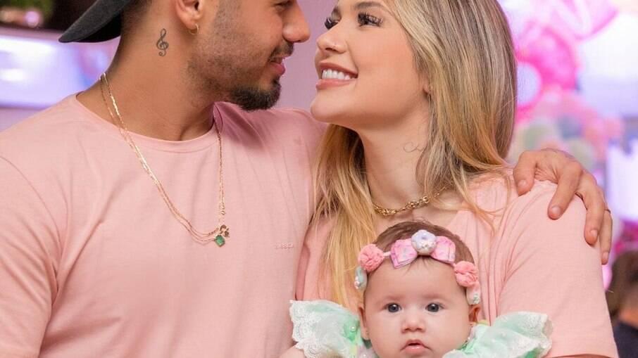 Virginia e Zé Felipe celebram três meses da filha, Mali: 'Nossa princesinha'