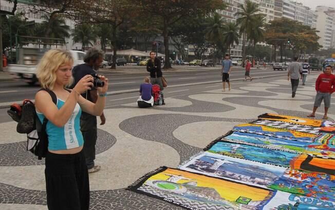 O que não fazer no Rio de Janeiro: exibir celulares e câmeras, principalmente no Centro e na orla, é um erro