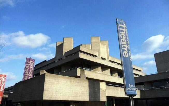O National Theatre está em uma área dominada pela arte