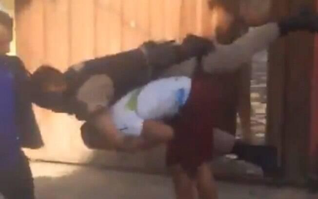 Apesar de ter aplicado o golpe e escapado, homem foi preso, logo depois, pelos policiais
