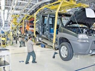 Retração. Em junho, houve queda de 23,3% na produção de veículos no país comparando-se a maio