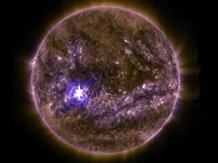Explosão solar desta quarta-feira (11) foi classificado como uma explosão da classe X2.2