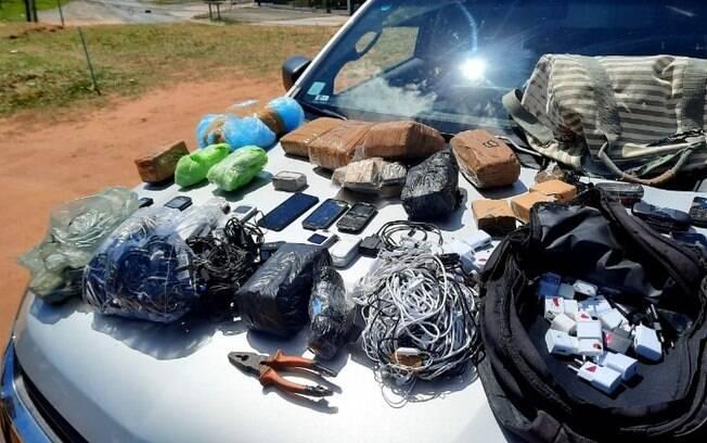 Agentes apreendem drogas, ferramentas e celulares na cadeia