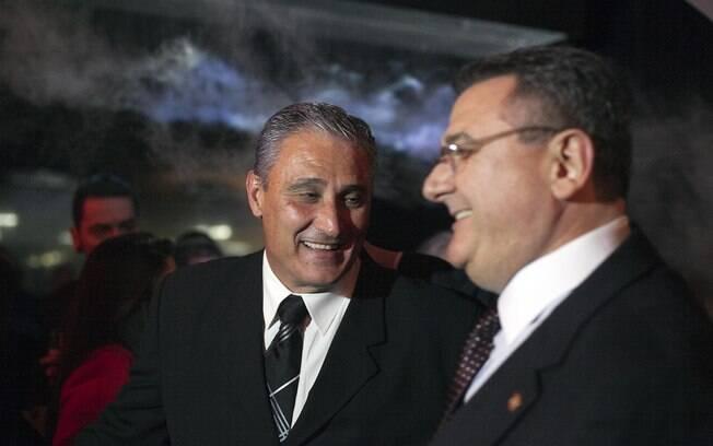 Tite ao lado de Mario Gobbi na festa dos 101  anos do Corinthians, em setembro de 2011