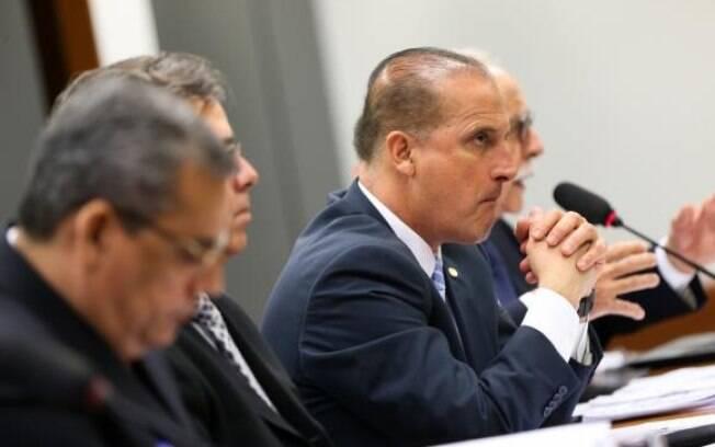 Além da transição entre governos: Onyx Lorenzoni (DEM-RS), confirmado como futuro ministro da Casa Civil, adiantou que a equipe de transição será definida em menos de 48 horas