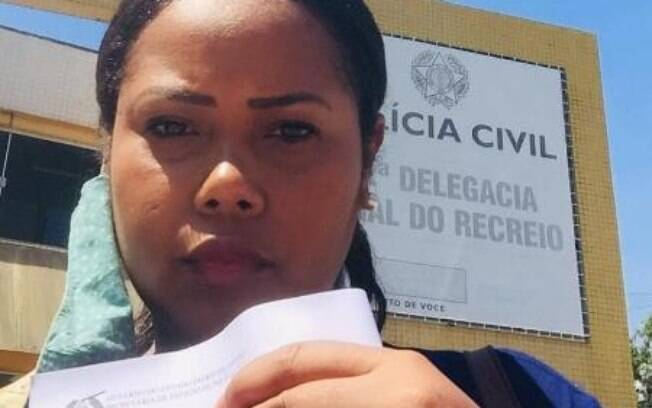 Izabele Santiago sofreu racismo de vizinha, que atirou cão sobre ela causando ferimentos