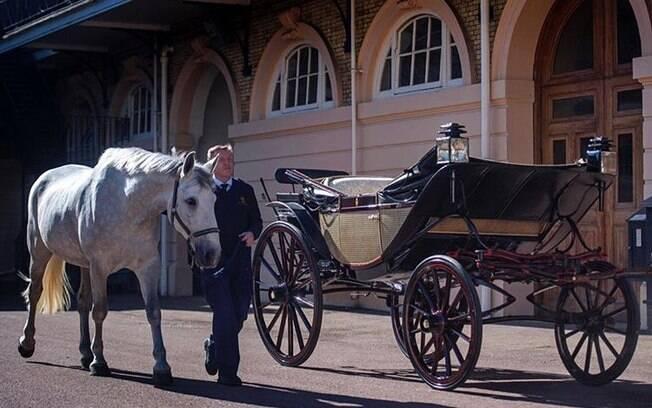 Logo após a cerimônia de casamento, Harry e Meghan farão um passeio de carruagem pelo Palácio