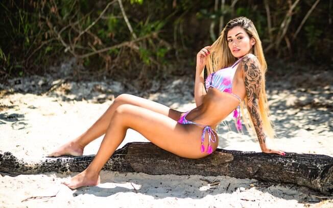 A modelo Jéssica Cristy, representante do Espírito Santo no concurso Musa do Brasil 2018, mostrou o corpão em ensaio