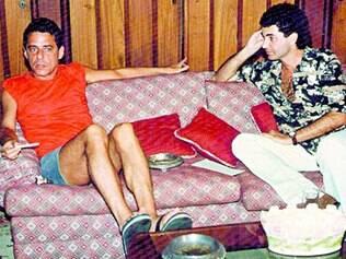 Entrevista. A foto emblemática divulgada pelo biógrafo prova o encontro entre Chico Buarque e Paulo César de Araújo, na casa do compositor carioca, na Gávea, em 1992