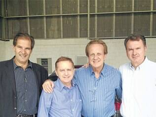 Vittorio Medioli e Edson Bueno (ao centro), no sábado (15)