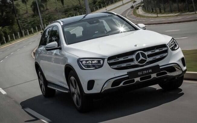 Silêncio na cabine e agilidade para enfrentar as grandes cidades são características marcantes do Mercedes GLC 220d