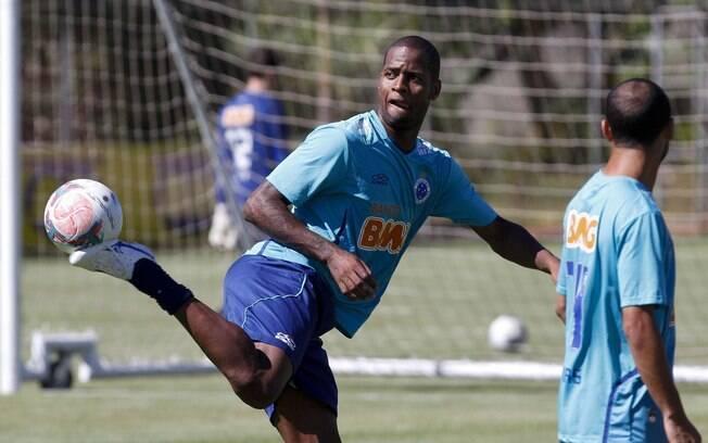 6dd5c4464ce94 Dedé voltou a ser convocado por Felipão. Foto  Washington Alves VIPCOMM