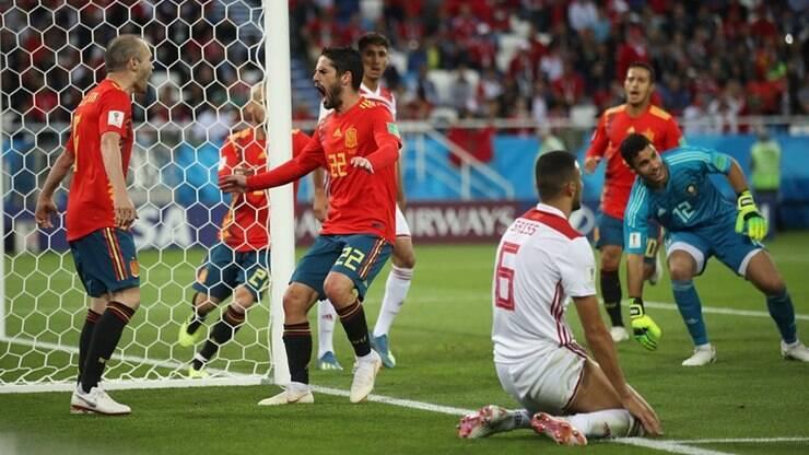 Espanha empata e é líder  CR7 perde pênalti 09cbe6ef4fcc1